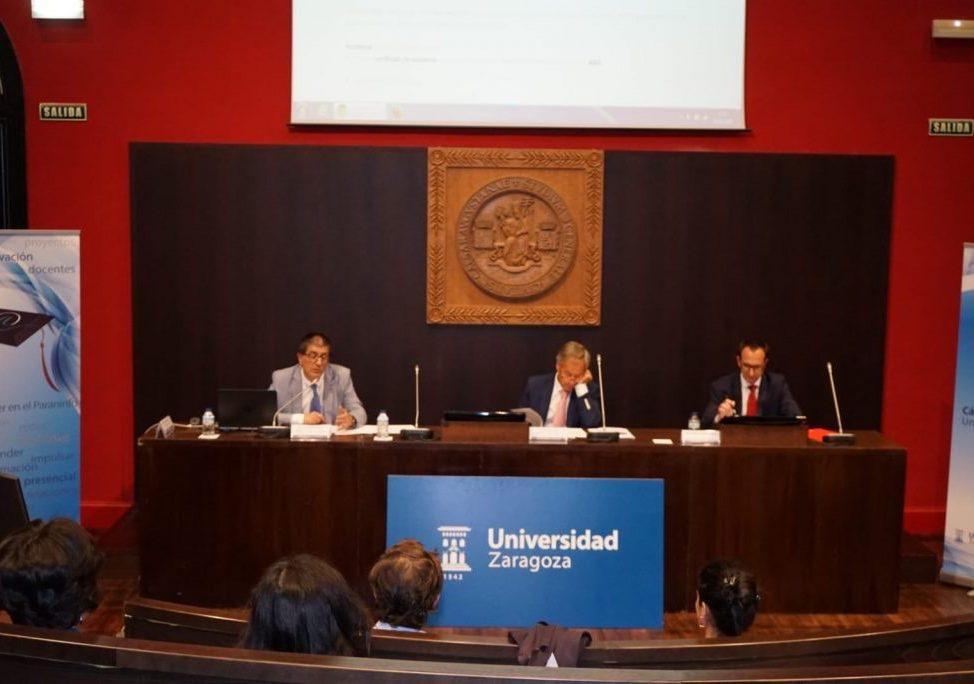 Mesa de entrega del Premio Santander 2017